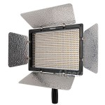 LEDd lamp Yongnuo YN600 colour temperature 3200K
